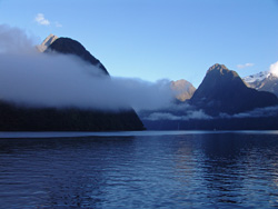 small_03_Milford_Sound_06