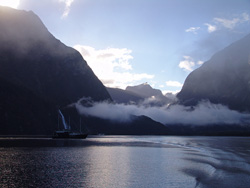 small_04_Milford_Sound_09